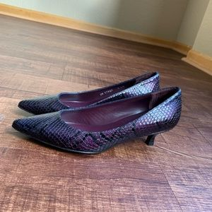 Stuart Weitzman purple snakeprint kitten heel pump